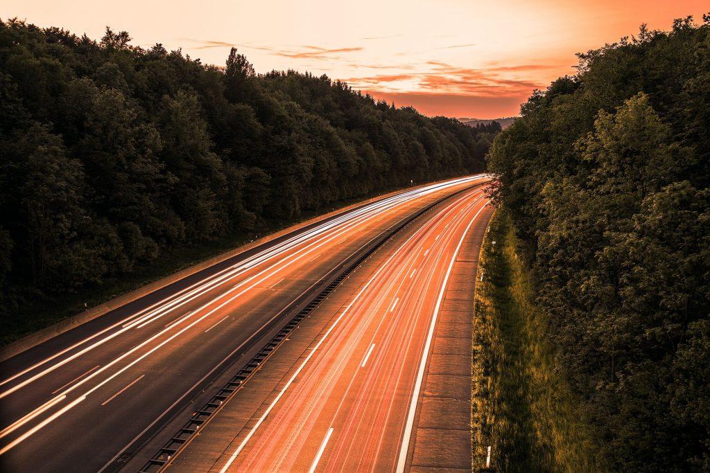 highway-3010146_1920